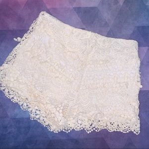 KIMCHI BLUE CROCHET LACE SHORTS URBAN OUTFITTERS